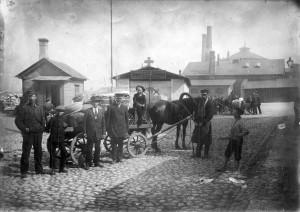 Naissaarlased Tallinnas AS 323ed